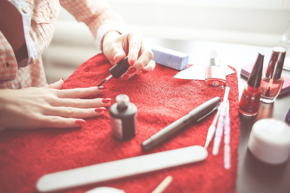 Cuidar tus uñas en casa