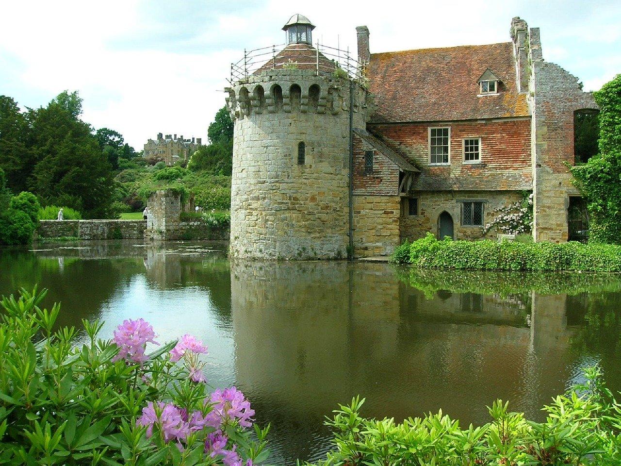 scotney-castle