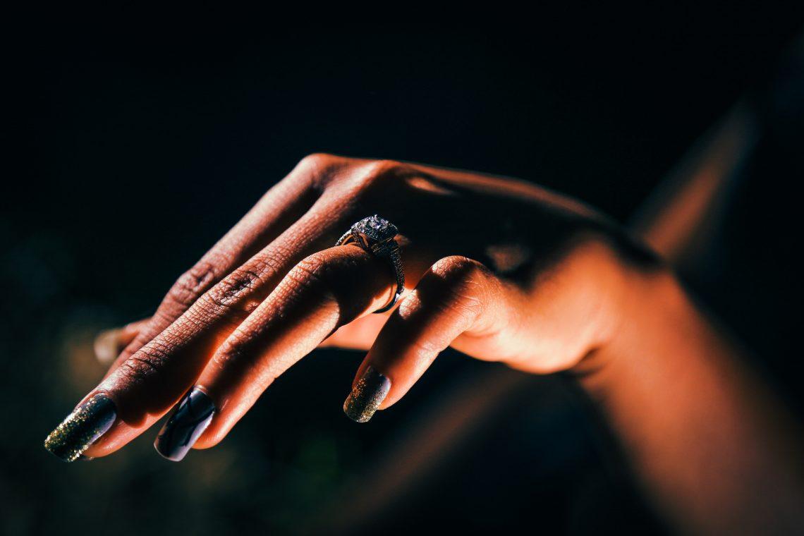 Como cuidar las uñas